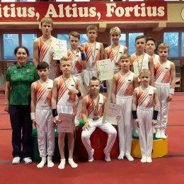 Rinktinė su trenere J. Jemeljanova