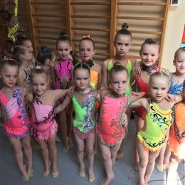 Klaipėdos mažosios gimnastės prieš apdovanojimą
