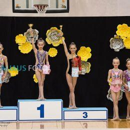 tarp 2007 gim.m. Antra vieta Izabelė Macevičiūtė,(treneris Valentina Bagreeva) trečia vieta laimėjo - Elinga Griciūtė(treneris Dovilė Vilnonė),