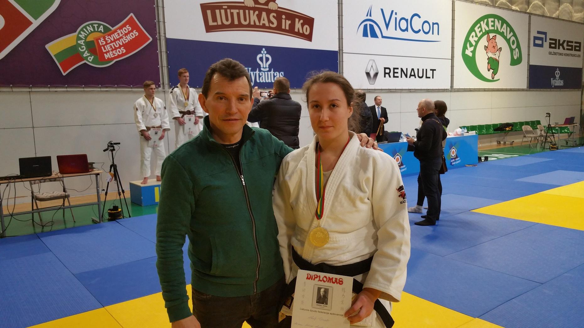 Akvilė Titorenko su tr. J. Tilviku