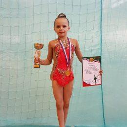 Smiltė Olberkytė su savo iškovotais trofėjais
