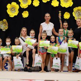 Trenerė Renata Tankevičienė su savo gimnastėmis
